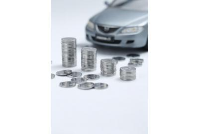 How to save money buying car hire excess insurance