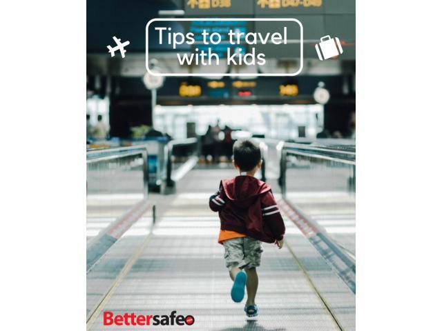 child_walking_through_an_airport