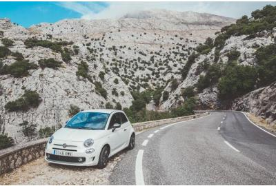 fiat_pulled_over_on_a_mountain_road
